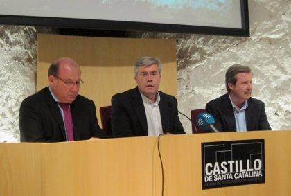 """El alcalde celebra que el nuevo PGOU """"ya es una realidad"""" y le da a la capital """"el liderazgo que le corresponde"""""""