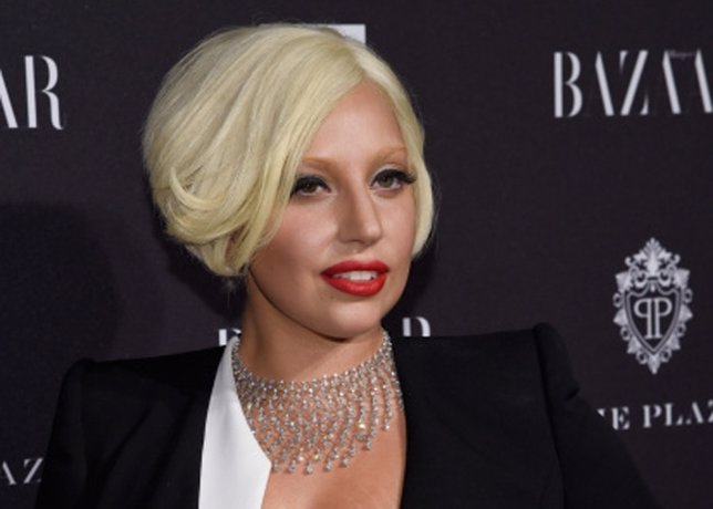 Lady Gaga para una pelea entre fans, que provocó sin querer ella misma
