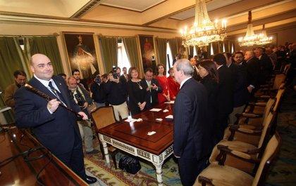 """El alcalde sostiene que """"ya"""" hizo lo que """"tenía que hacer"""" tras la condena al edil del PP Jaime Reinares"""