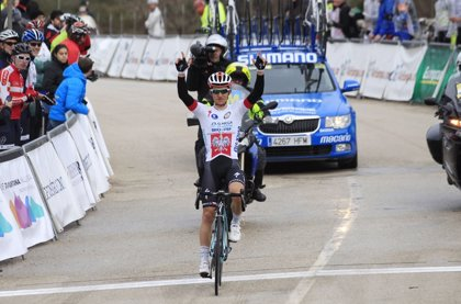El corredor polaco Michal Kwiatkowski, nuevo campeón del mundo de ciclismo