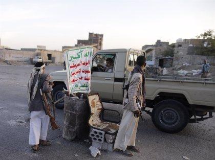 Al menos 15 muertos por la explosión de un coche bomba contra una sede huthi en Maarib