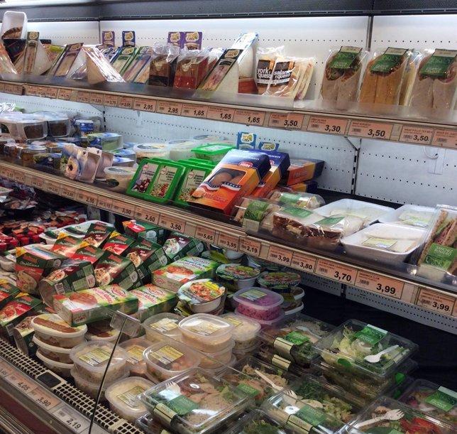 Supermercado, comida, bebida, estanterías