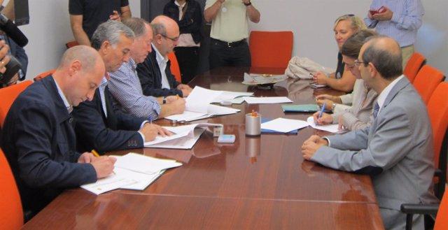 Firma de convenio entre la Junta y ayuntamientos de Jódar, Martos, Beas y Arjona