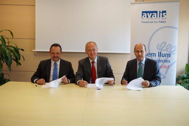 J.R.Sanromà (ICF), L.Herrero (Santander) y J.Lores (Avalis)