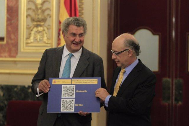 Montoro entrega el proyecto de Presupuestos Generales del Estado (PGE) 2014