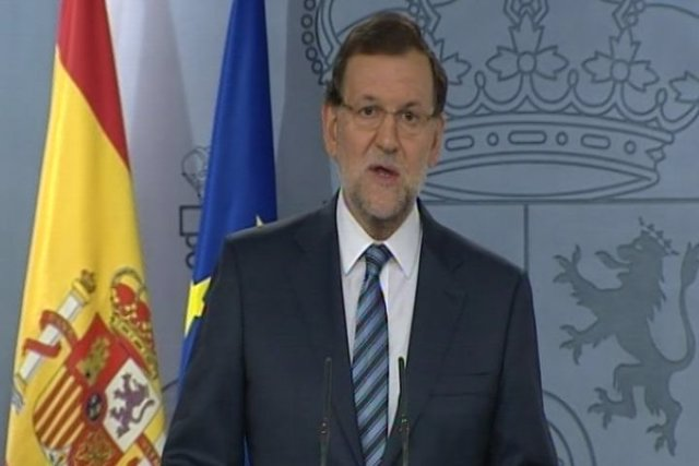 Rajoy advierte a Mas y le ofrece dialogar