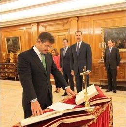 El nuevo misnitros de Justicia Rafael Catalá jura su cargo