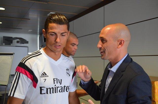 AFE visita a los jugadores del Real Madrid