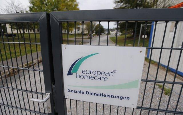 Entrada de una casa de acogida para solicitantes de asilo en Burbach