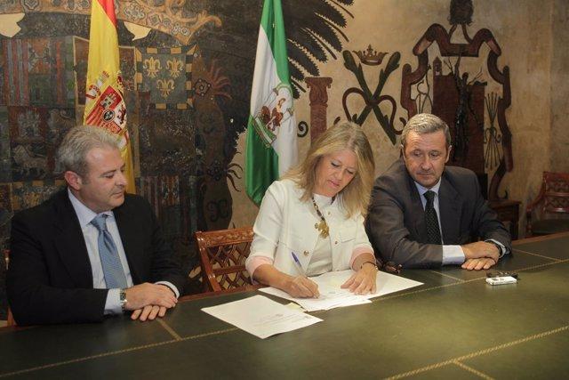 Angeles Muñoz, acuerdo prestamo pago junta