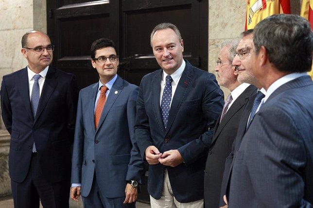 Alberto Fabra en la reunión con los rectores