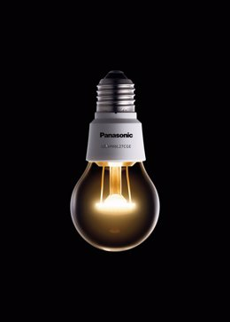 Bombilla LED Panasonic con apariencia de bombilla tradicional