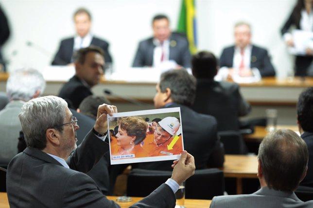 Foto de Rousseff y ex director de Petrobras Paulo Costa