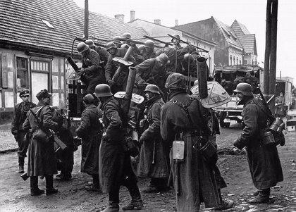 La lista de los 80 miembros de los escuadrones de la muerte nazis