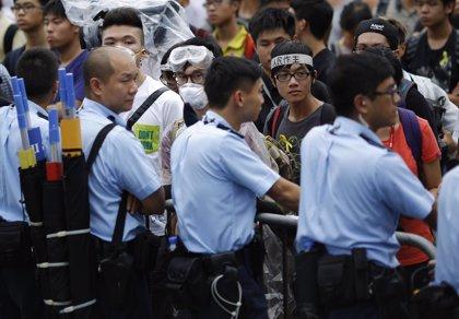 El Gobierno de Hong Kong llama a cesar la protesta y la Policía desaconseja ocupar edificios oficiales