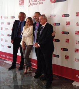 Presentación de la campaña 'Barcelona da la cara por el Sida'