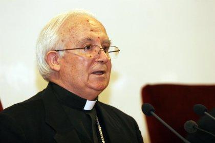 El cardenal Cañizares invita a la misa de su toma de posesión en la Catedral a ocho ancianos sin recursos