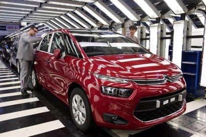 Más de 6.300 empleados elegirán mañana a sus representantes en PSA Peugeot Citroën en Vigo