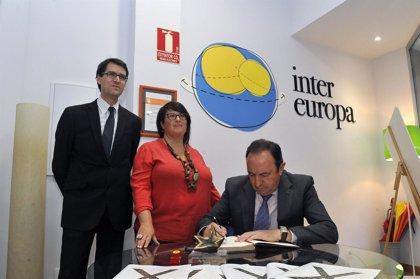 """Pedro Sanz valora el trabajo que realiza Inter Europa """"para ofrecer formación, empleo y autonomía a jóvenes riojanos"""""""