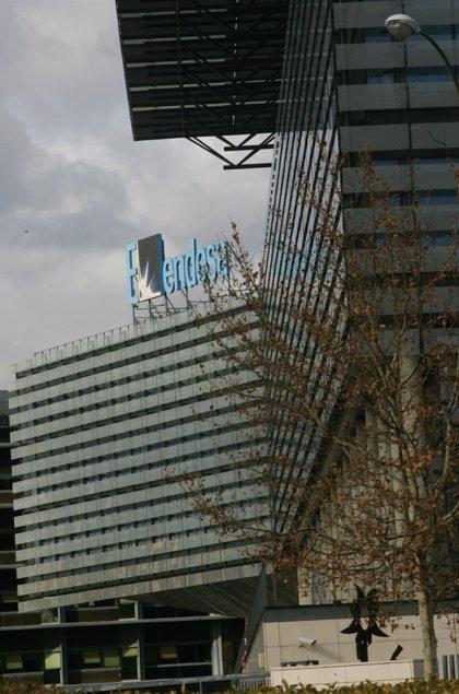 Enel sopesa lanzar una OPV por Endesa, sacarla de Bolsa o vender una participación entre inversores