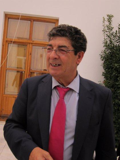 Valderas anuncia que en los presupuestos andaluces crecerán Educación, Salud y Fomento y que se mantendrá Dependencia