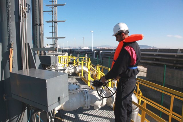 Almacenamiento De Hidrocarburos De CLH En Algeciras
