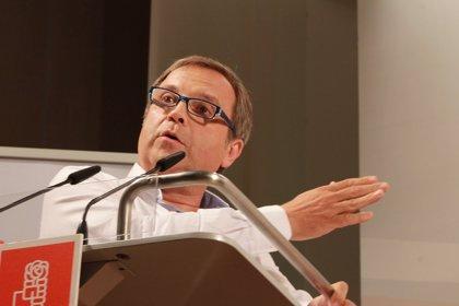 """Carmona pretende ser """"el hombre del pomo"""" que abra la puerta del Ayuntamiento a la participación ciudadana"""