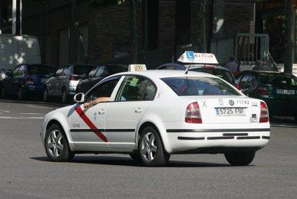 Un curso gratuito ofrece formación sobre historia y patrimonio cultural de la capital a los taxistas de Madrid
