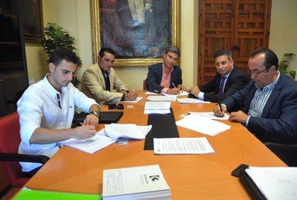 La Diputación adjudica contratos por 895.324 euros para obras en carreteras provinciales y espacios municipales