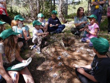 El programa de sensibilización ambiental de Agentes Rurales llega a 36.000 personas