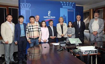El grupo chino Eurbest quiere comprar leche en polvo de Uniproca y no descarta posibles alianzas empresariales