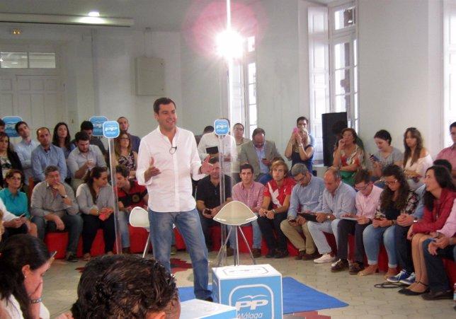 Juanma Moreno PP-A encuentro ciberactivistas en Málaga