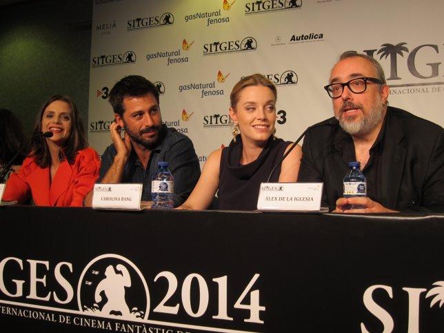 Los actores M.Gómez y H.Silva y los productores C.Bang y Á.De la Iglesia
