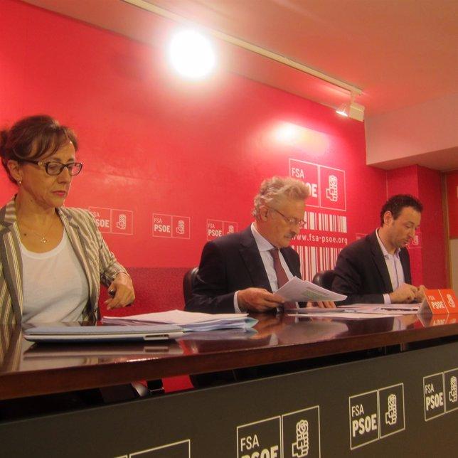 Fernández, Trevín y Martínez, durante la rueda de prensa.