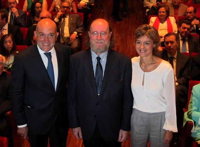Tejerina, Carnero y Díaz en el Teatro Zorilla en el Día de la Provincia