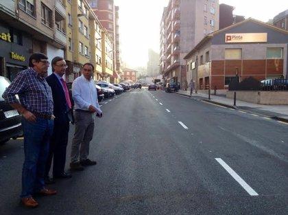 """""""A punto"""" de acabar el asfaltado de la calle Pando y de comenzar el de Pintor Modinos"""