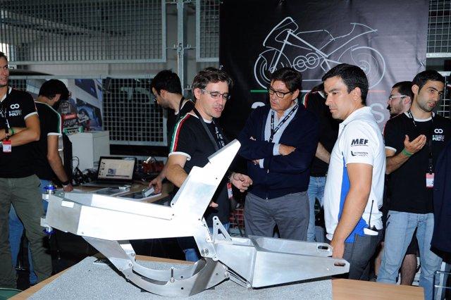 Aliaga, con el equipo de la Politécnica de Turín