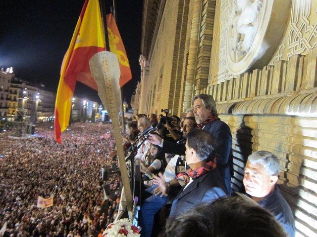 La Plaza del Pilar abarrotada, en el inicio de las Fiestas