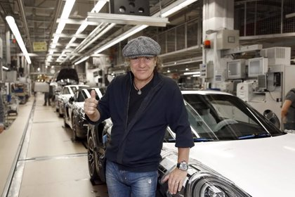 Odisea estrena Cars that Rock, la serie del cantante de AC/DC