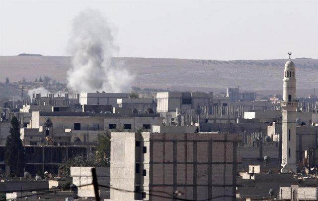 Vista de la ciudad siria de Kobani desde la frontera con Turquía