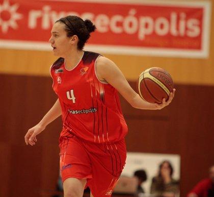Diego felicita a Laura Nicholls por su plata en el mundial de baloncesto
