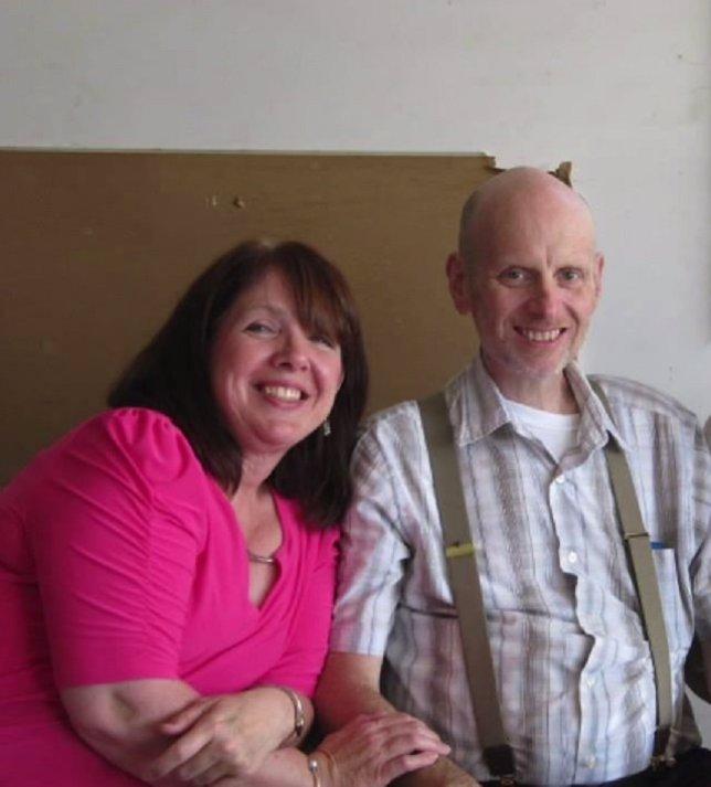 Padre, enfermo de cáncer terminal quiere ver 'El Hobbit' con su familia