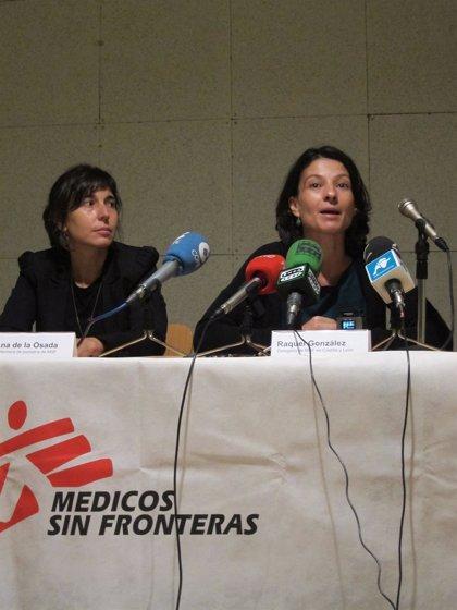 """Médicos Sin Fronteras reconoce que sus profesionales están """"desbordados"""" por la atención en África"""