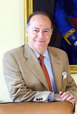 Expresidente del colegio de medicos de málaga enrique lopez peña fallecido2014