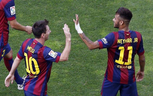 Messi y Neymar tras ganar al Rayo Vallecano