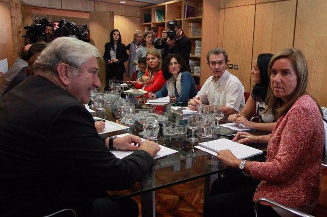Ana Mato con los directores generales de Sanidad y con Javier Rodríguez