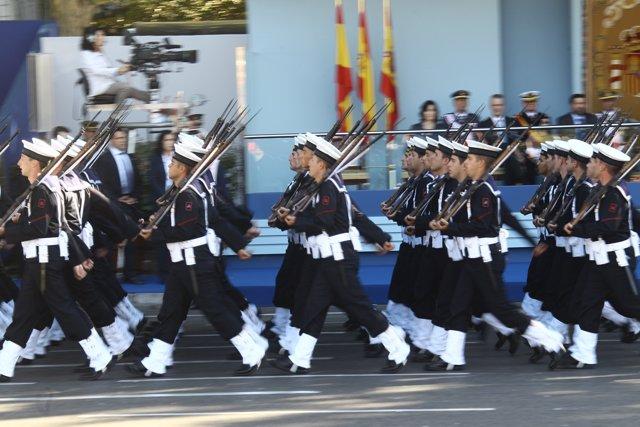 Desfile El Día De La Fiesta Nacional