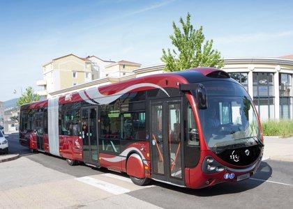 Los viajeros del autobús urbano caen un 3,3% en agosto en Extremadura