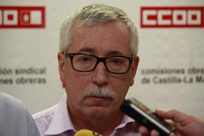 """Toxo: """"Me gustaría ver al consejero de Madrid ponerse y quitarse un traje, para ver si es tan sencillo"""""""