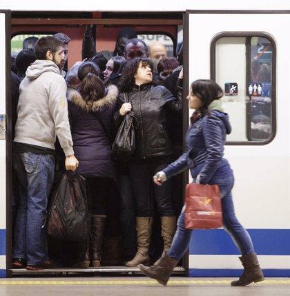 La lluvia provoca circulación lenta en varias líneas de Metro